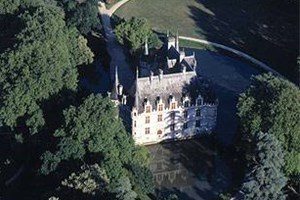 chateau d 39 azay le rideau location ch teau azay le rideau 37190 indre et loire. Black Bedroom Furniture Sets. Home Design Ideas